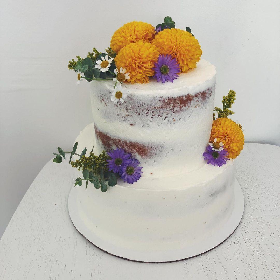 Пример торта из пекарни.