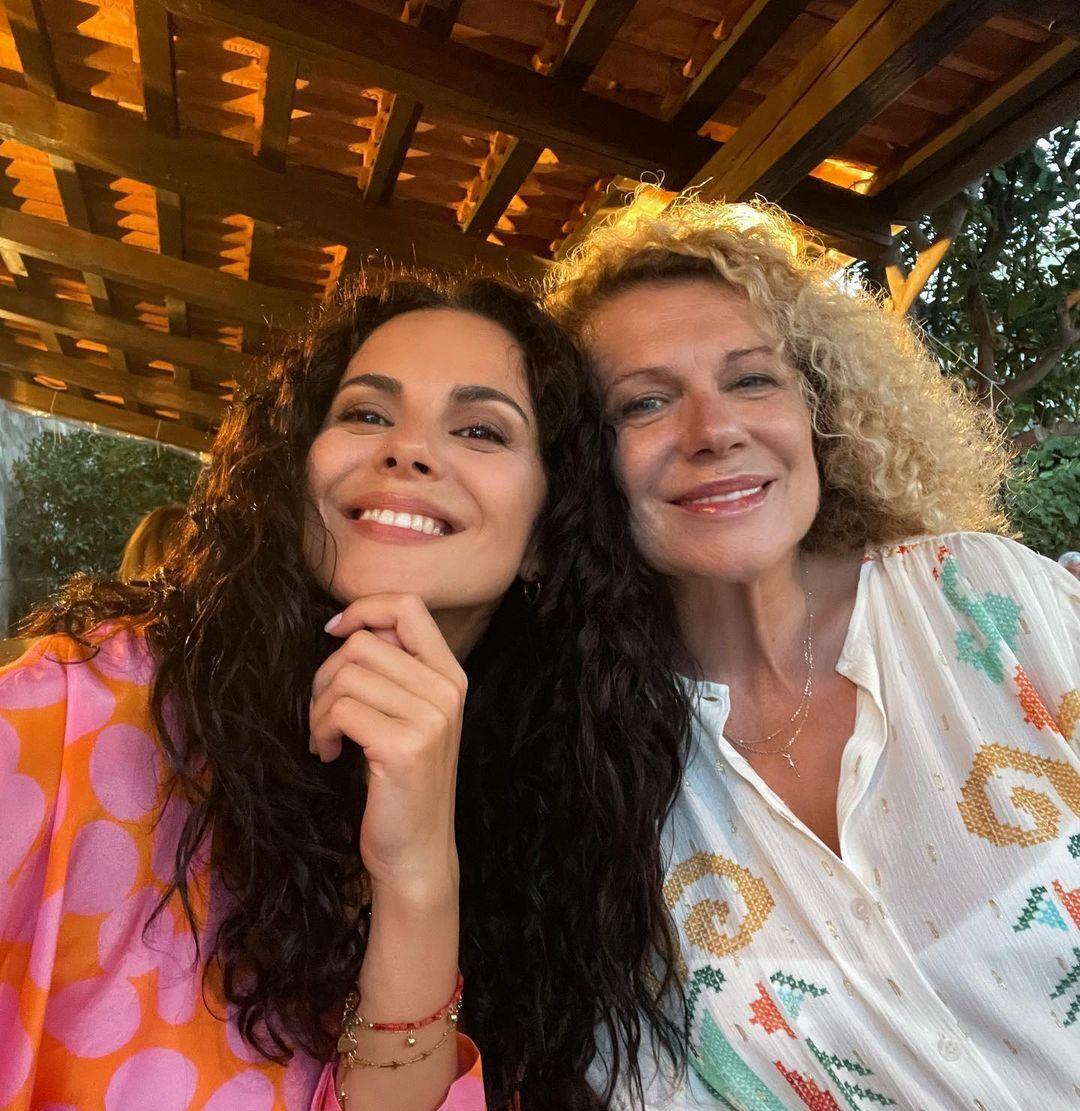 Настя зі своєю мамою Лідою.