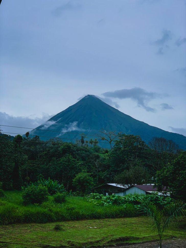 В Коста-Рике есть много живописных пейзажей.