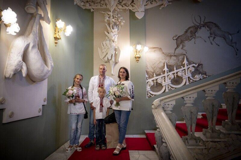 Семья Тулайдан посетила Дом с химерами