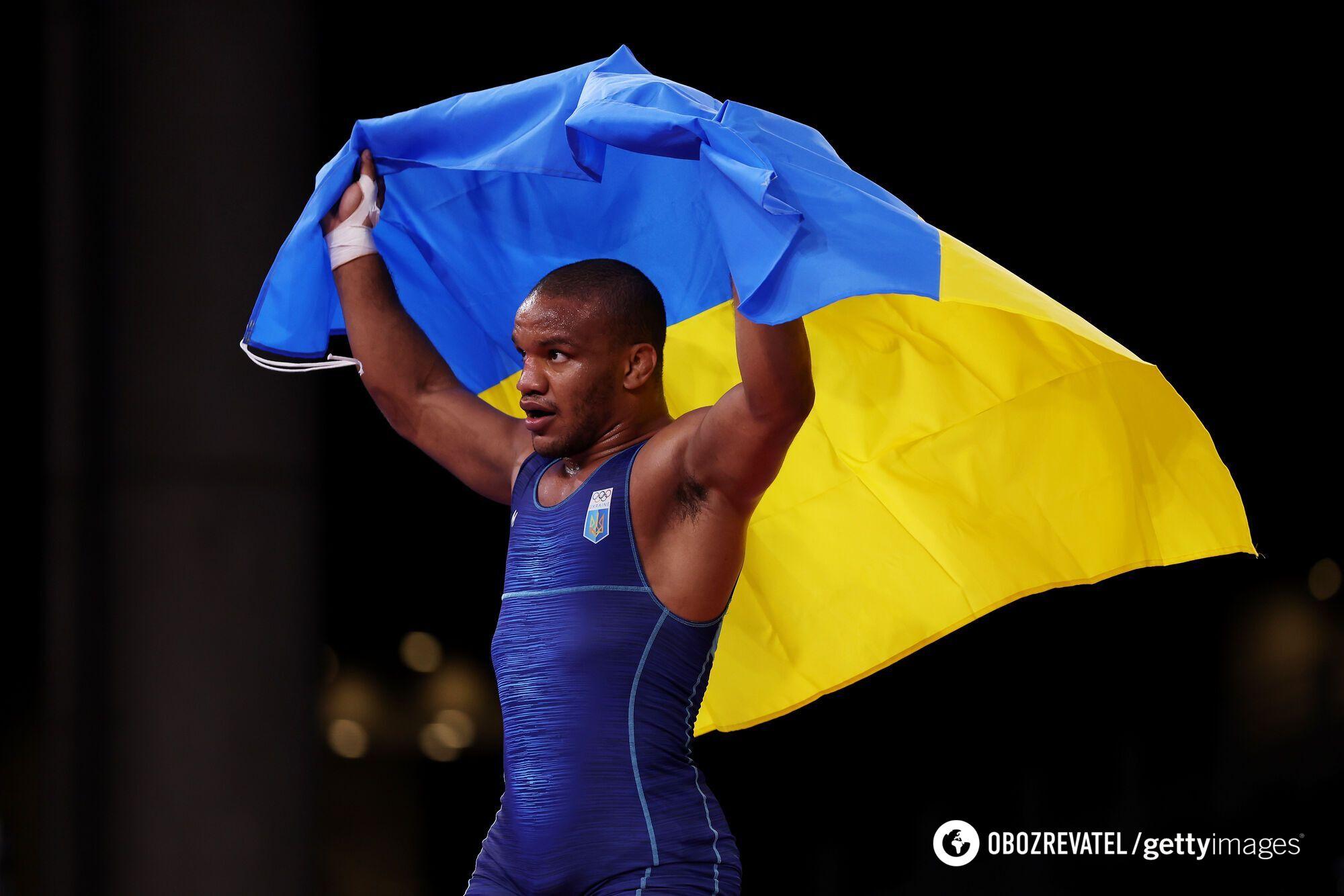 Жан Беленюк с флагом Украины.