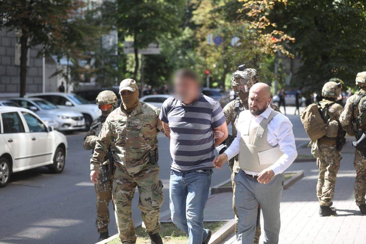 Мужчину задержали полицейские.