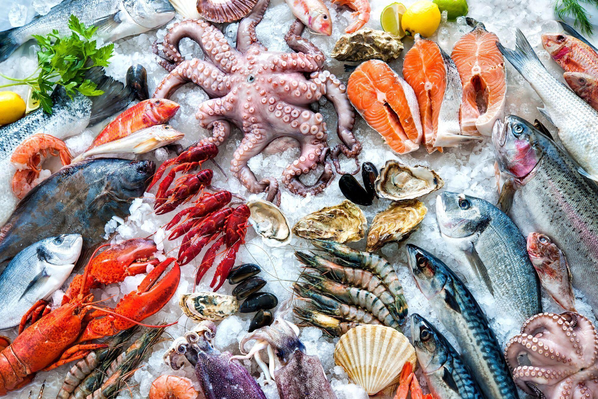 Як правильно розморожувати рибу, щоб не зіпсувати