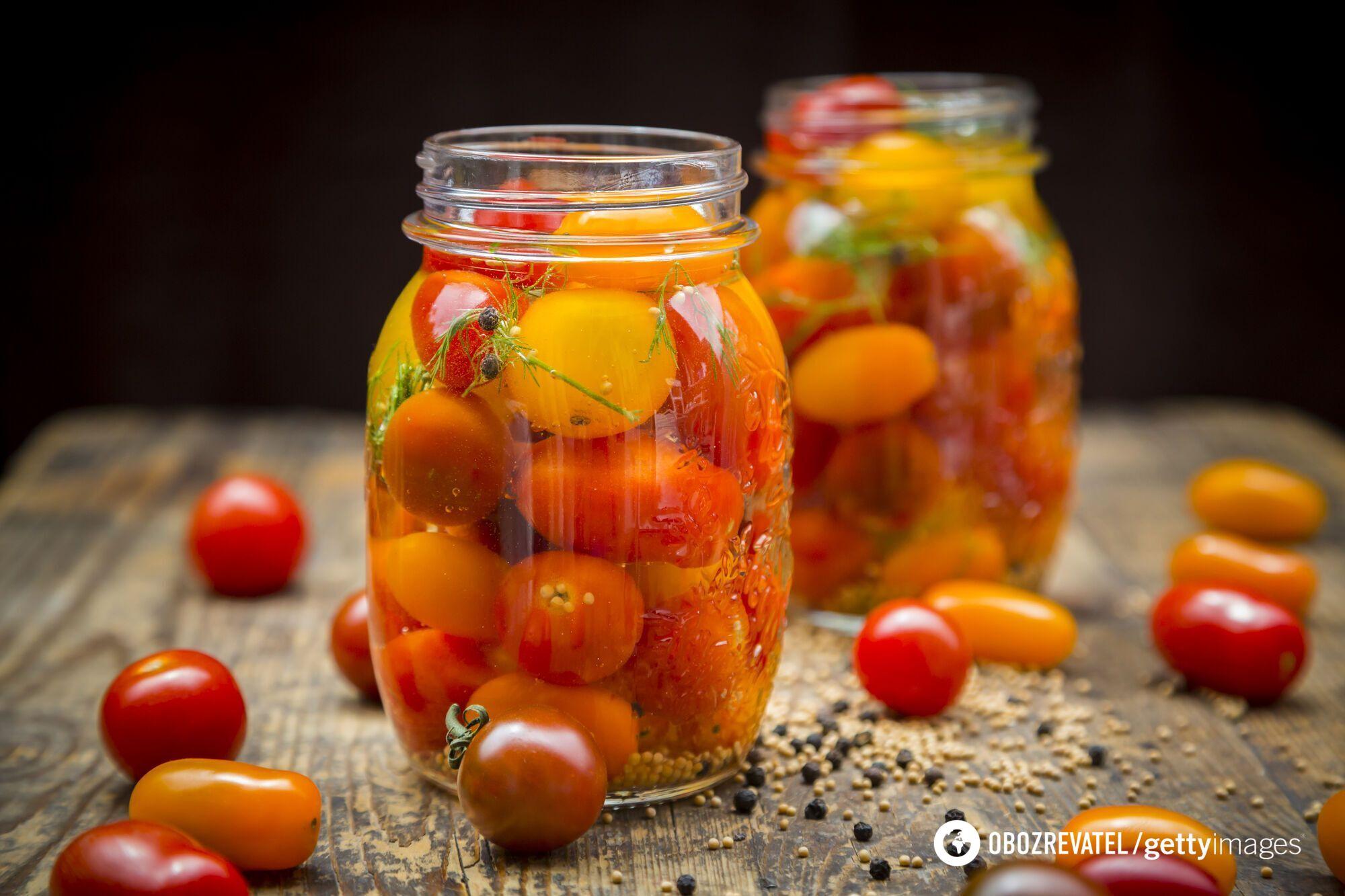 Как вкусно засолить помидоры