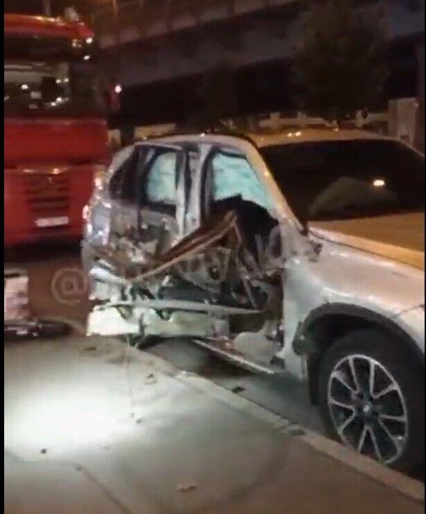 BMW получил серьезные механические повреждения.