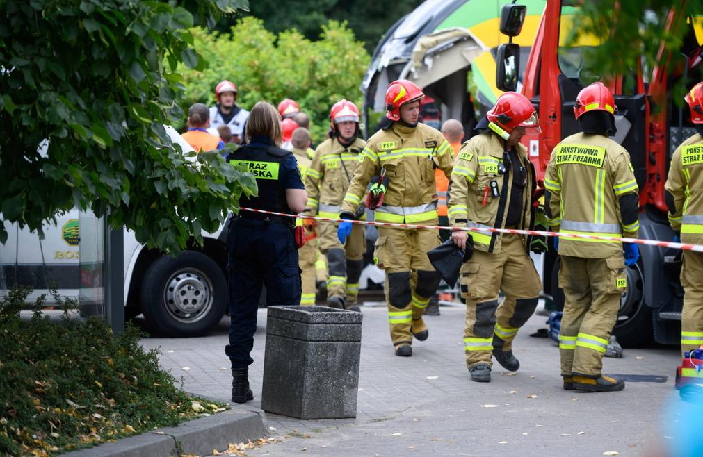 Серйозні травми отримали шестеро людей.