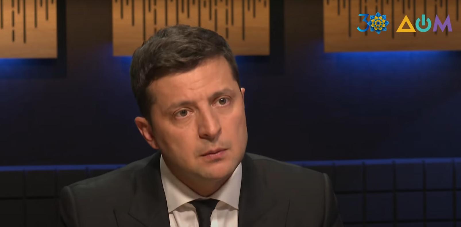 Зеленський назвав умови припинення війни на Донбасі.