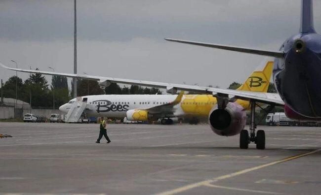Самолет отправился 6 августа