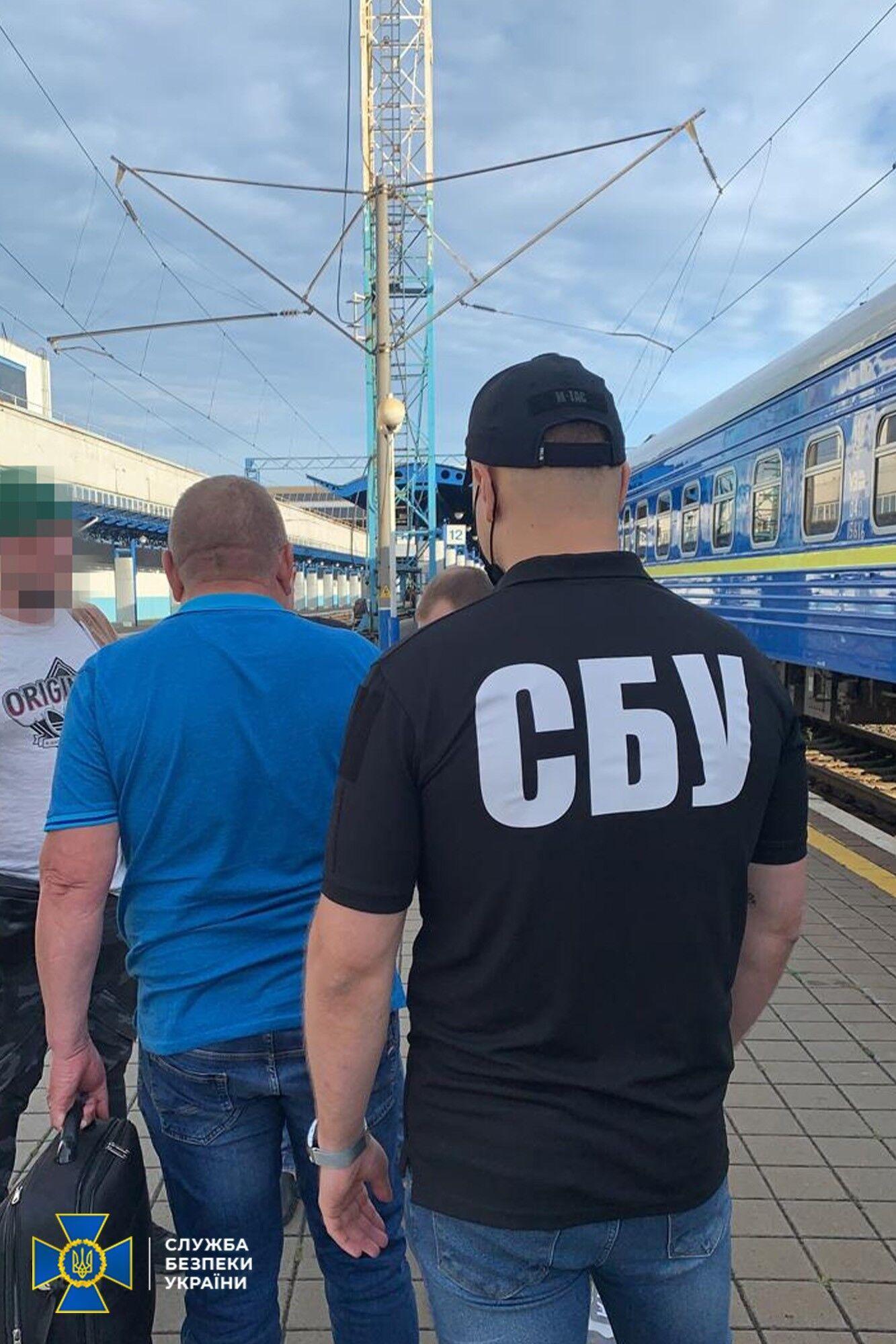 Чоловіка підозрюють у привласненні 1 млн грн.