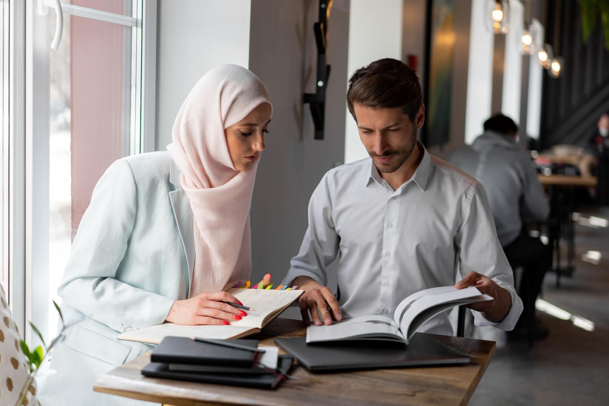 В арабській культурі прийнято говорити з паузами