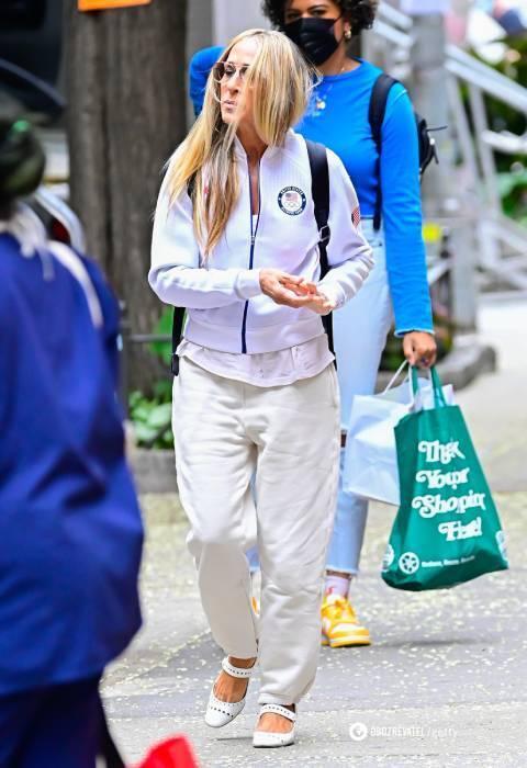 Сара Джессика Паркер в спортивном наряде.