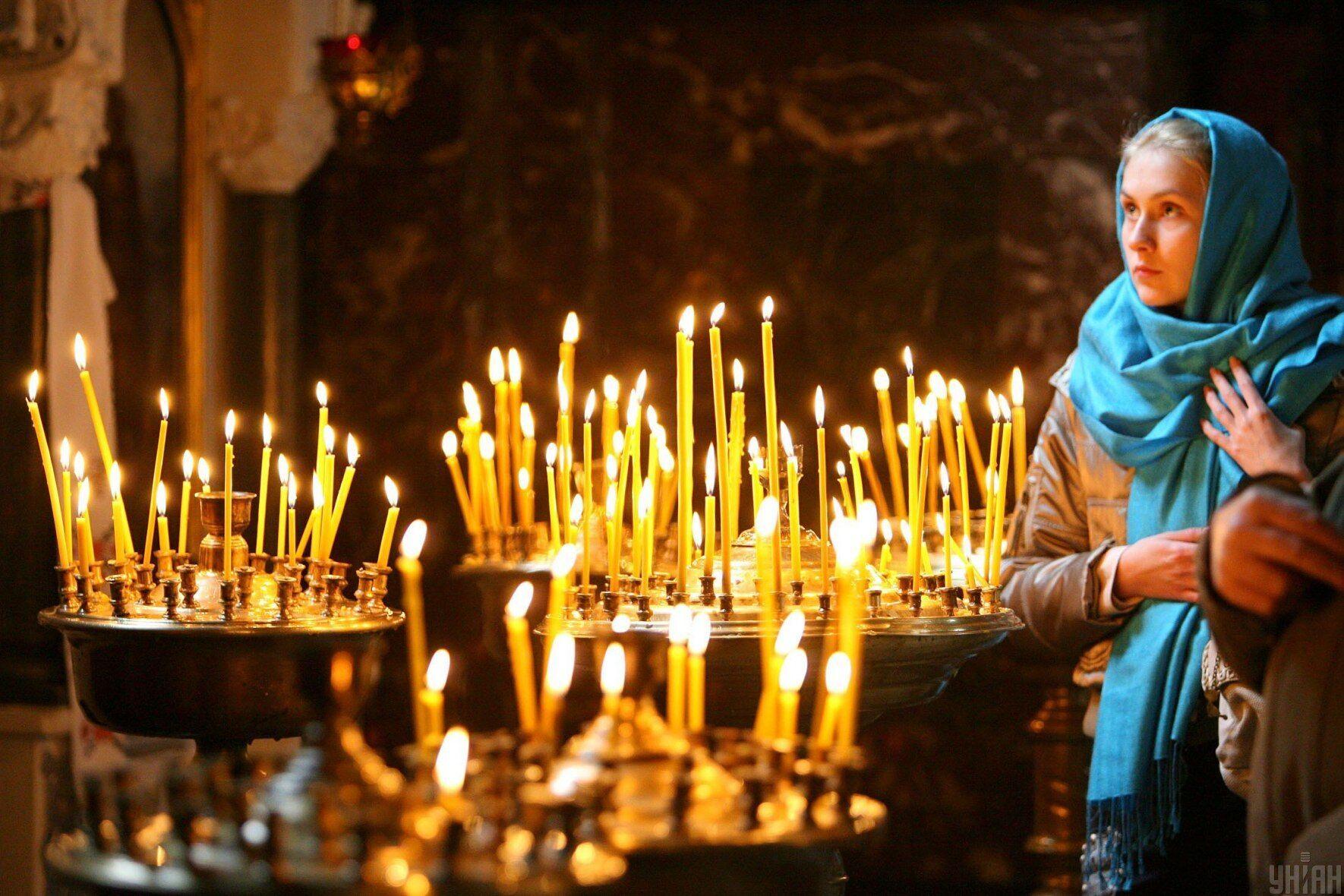 В Успение праведной Анны верующие посещают праздничное богослужение