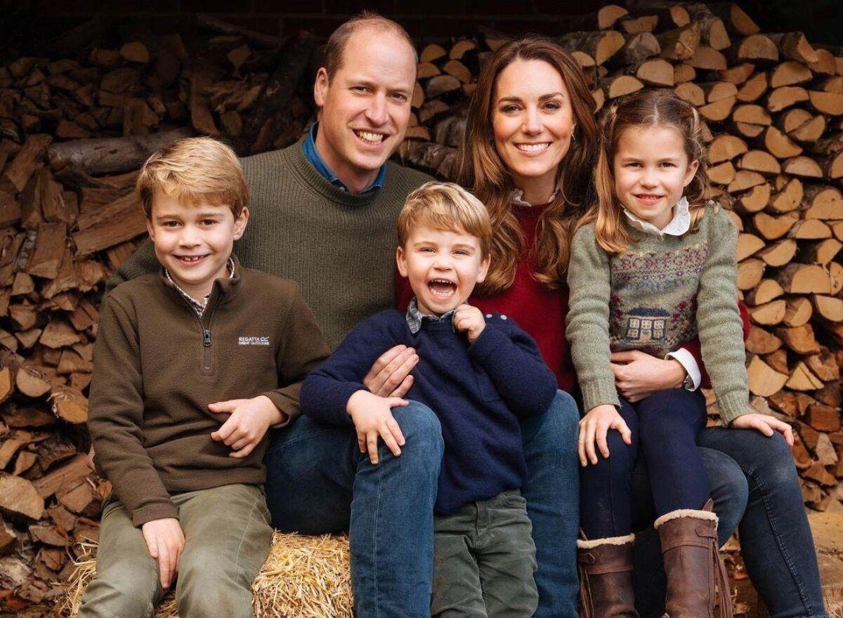 Дочь герцога и герцогини Кембриджских Шарлотта четвертая в очереди на престол