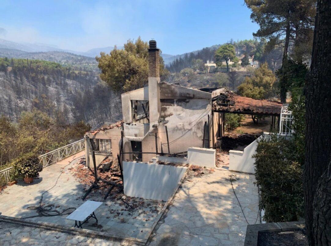 Пожары оставили людей без жилья.