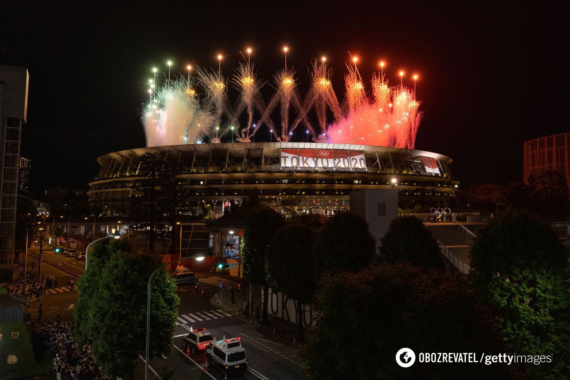 В Токио прогремел салют на закрытии Игр-2020.