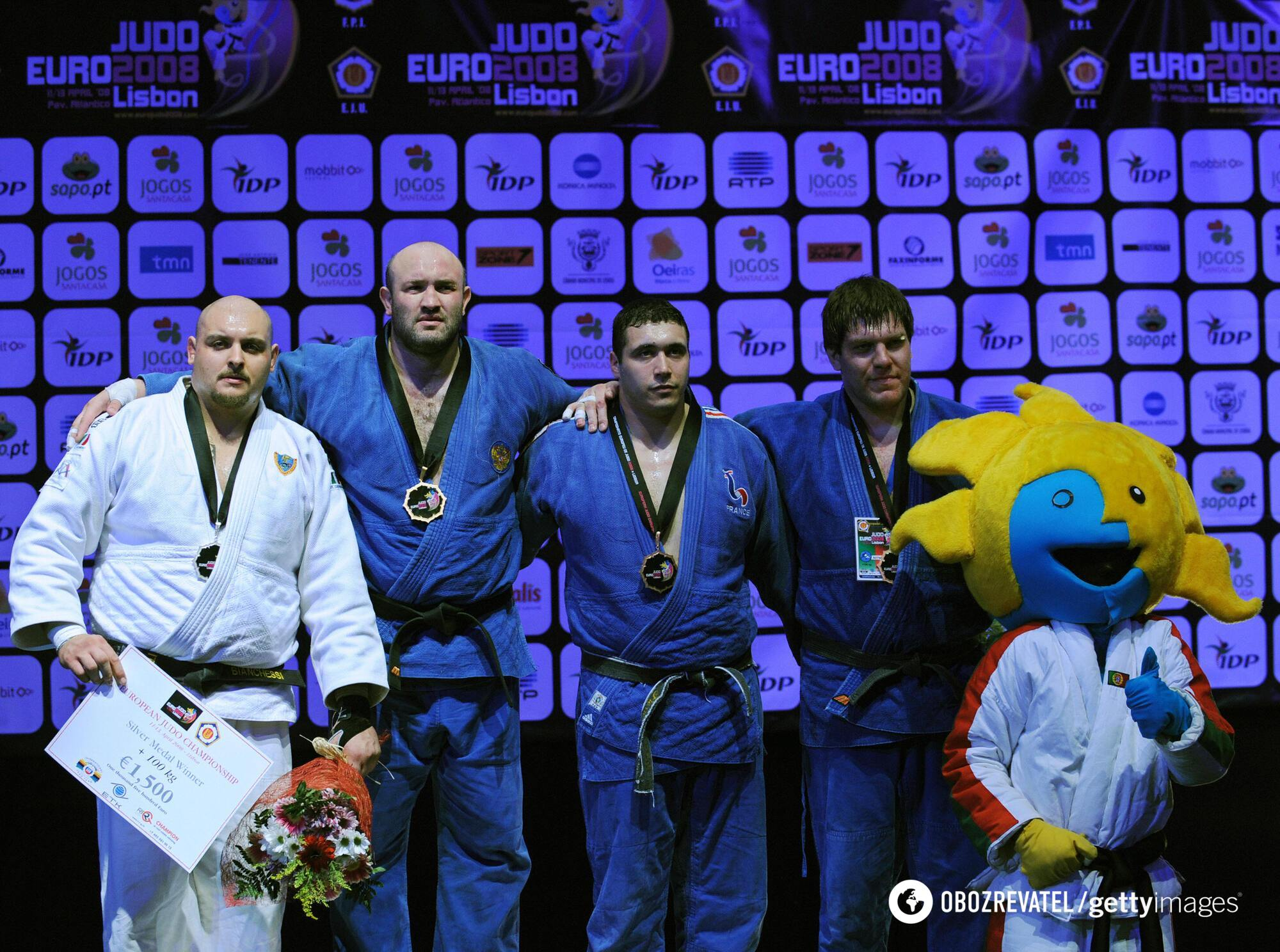 Сотников (крайній праворуч), 2008 рік
