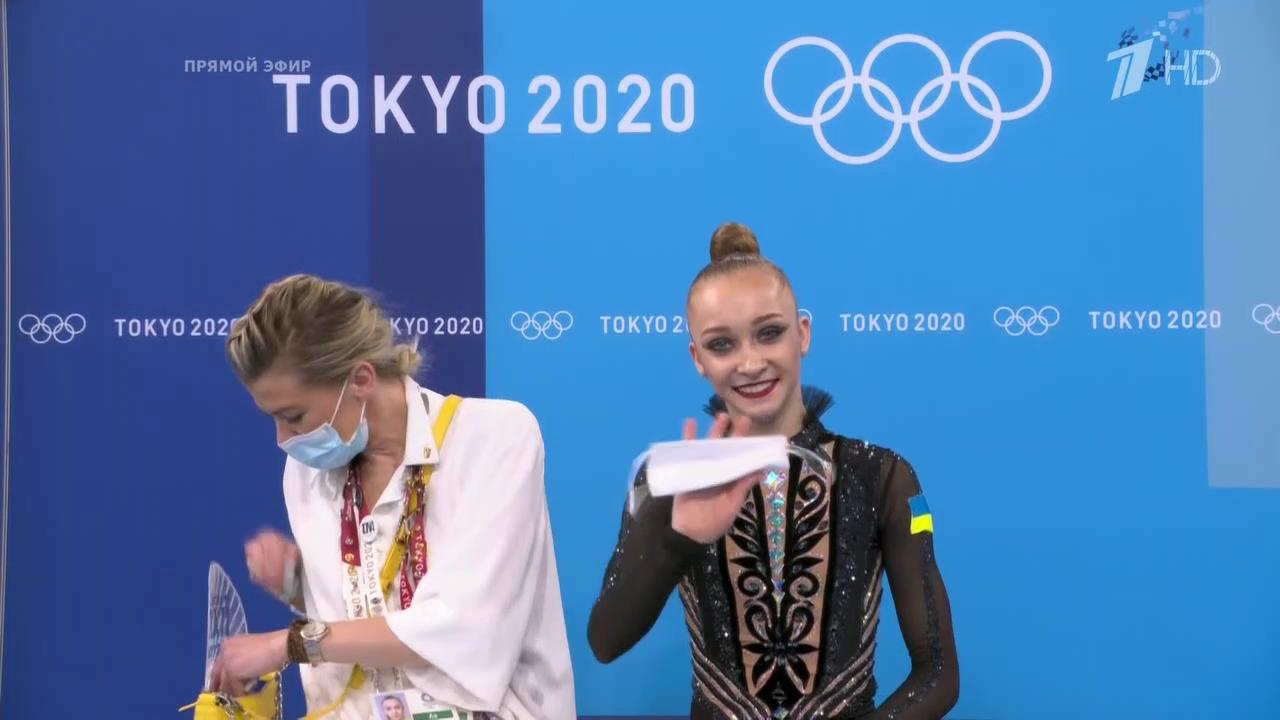 Ириша Блохина (слева)