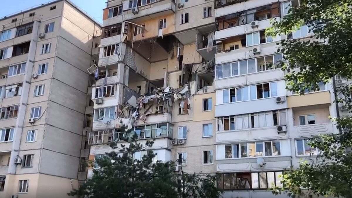 Кілька квартир повністю зруйновані