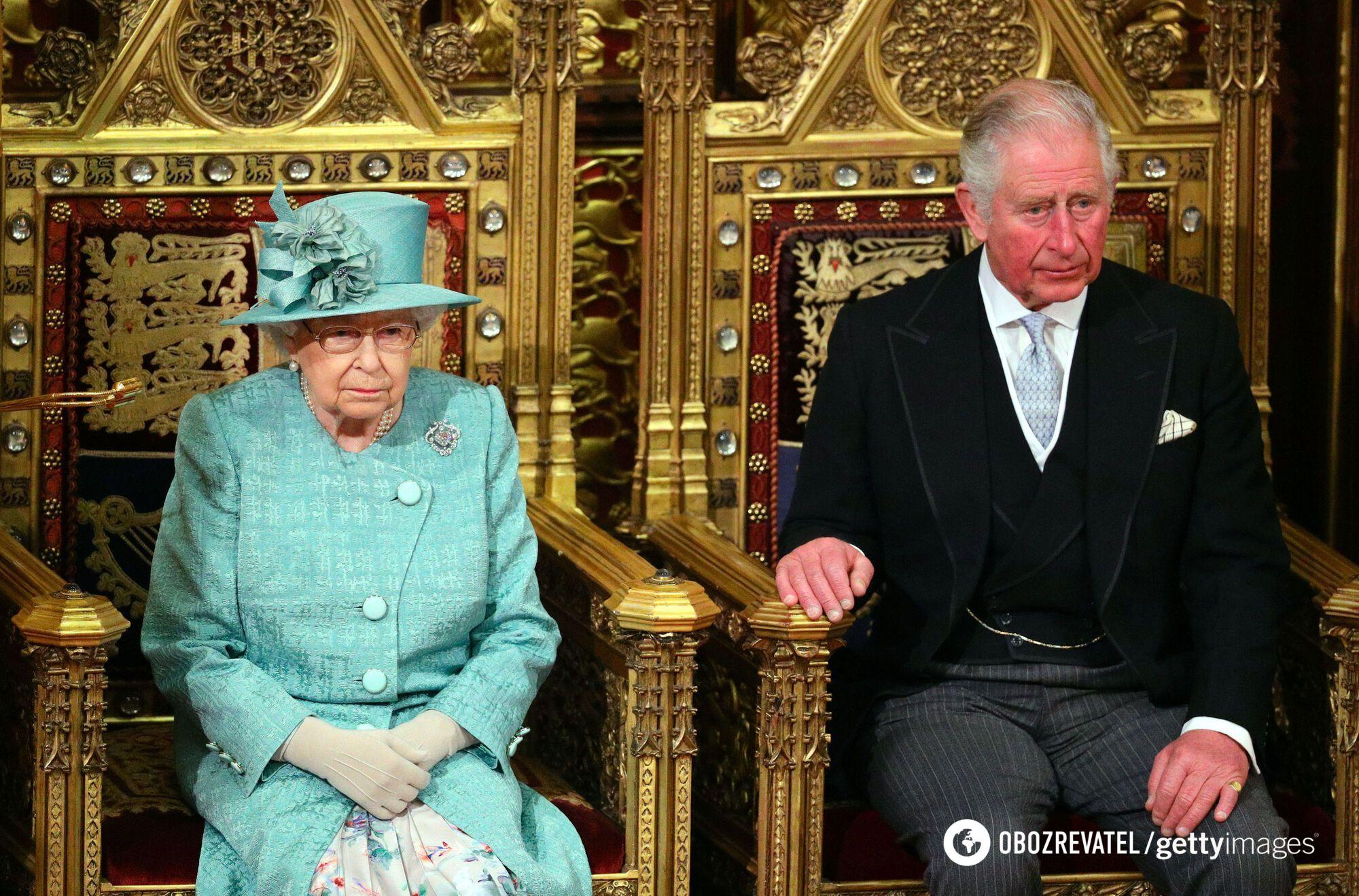 Елизавета II продемонстрировала изысканный образ