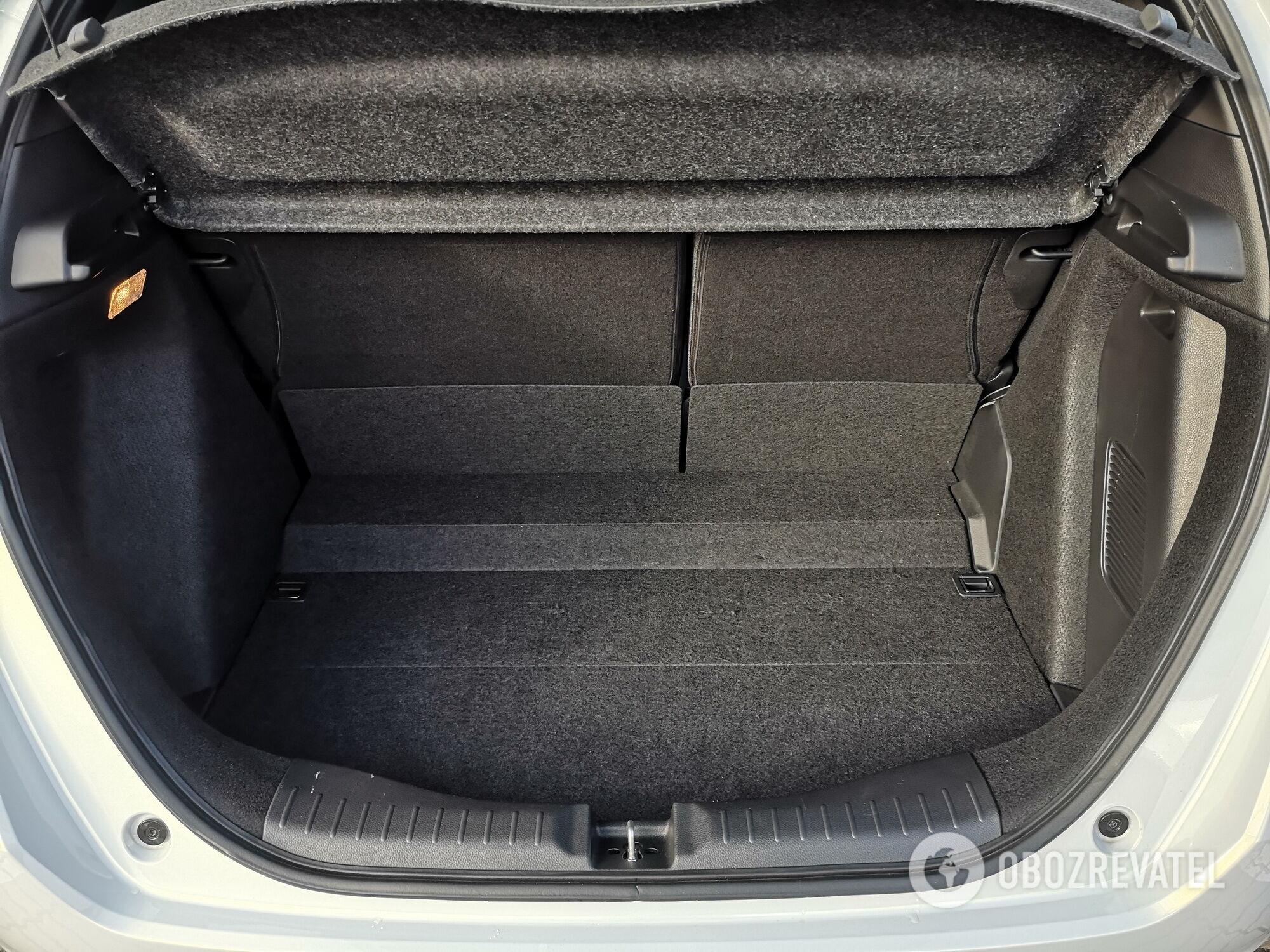 Объем багажника составляет 304 л