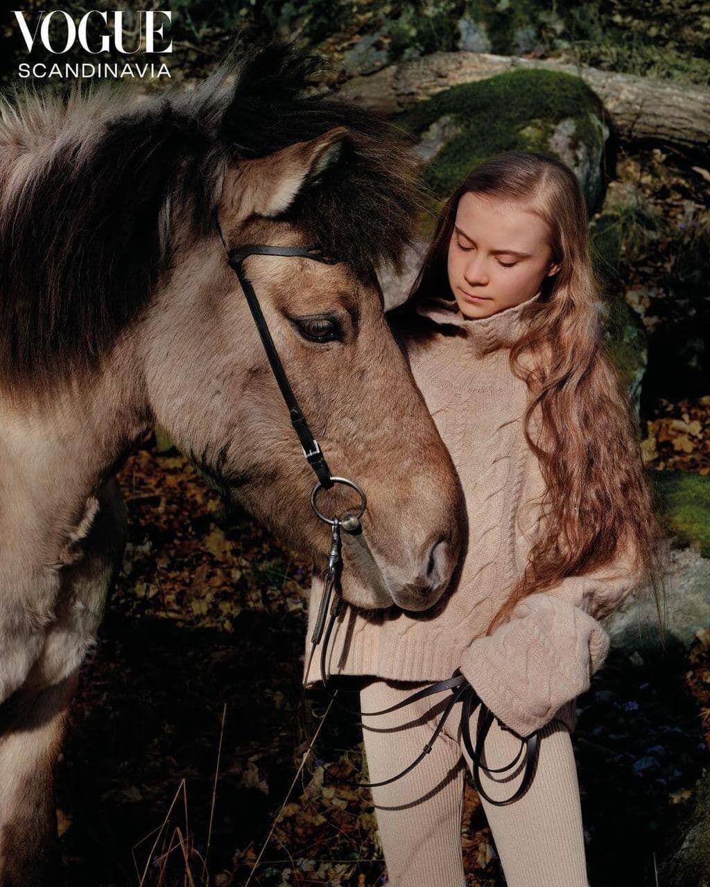 Грета Тунберг снялась с лошадью