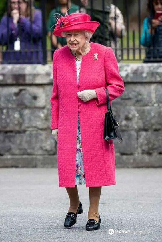 Єлизавета II з'явилася в новому вбранні.
