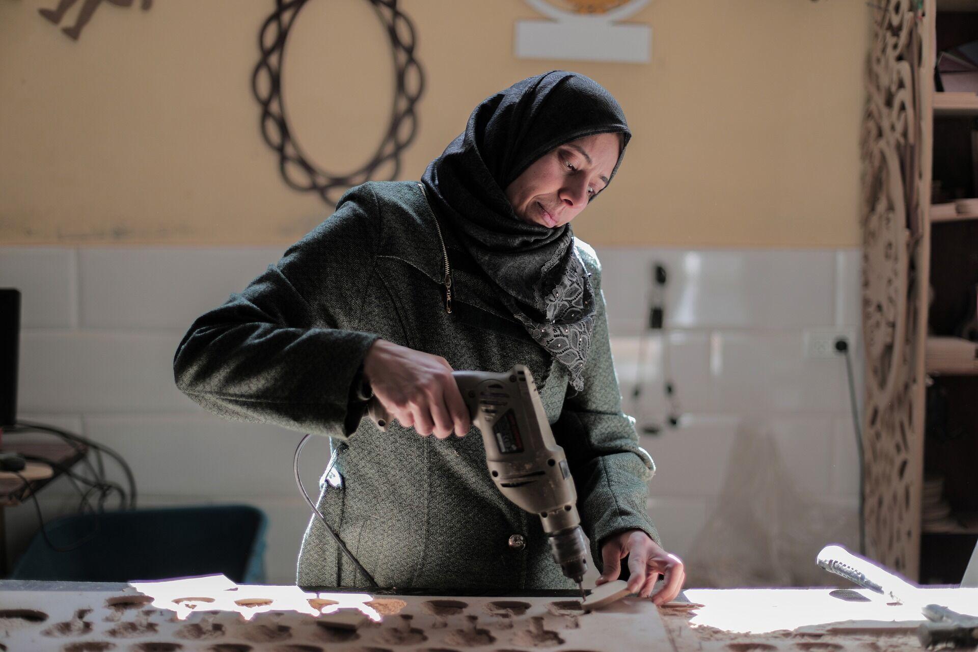 Мусульманской женщине необязательно работать