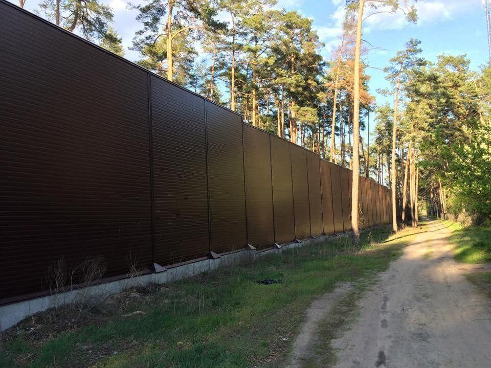 10-метровий паркан