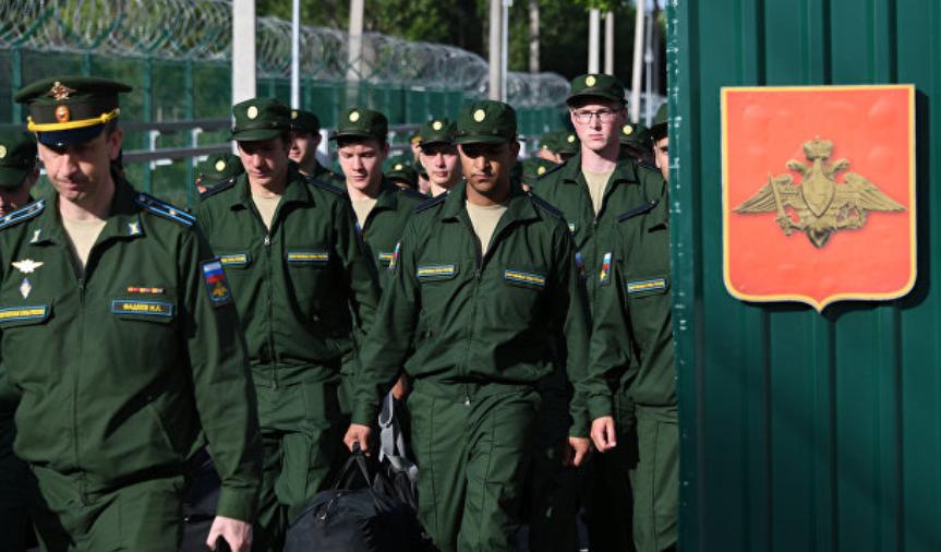 В Крыму незаконно призывают жителей полуострова на службу в российскую армию