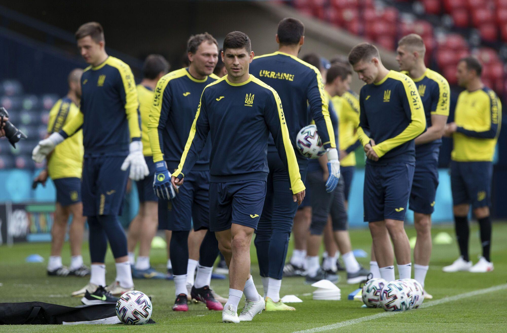 Игроки сборной Украины на тренировке