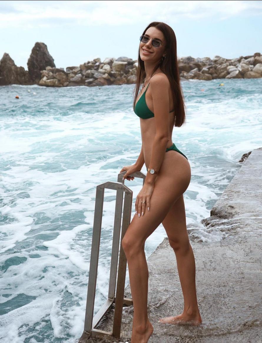 Карина Харатін провела відпустку в Італії