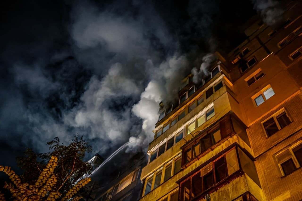 В сгоревшей квартире обнаружили тело женщины.