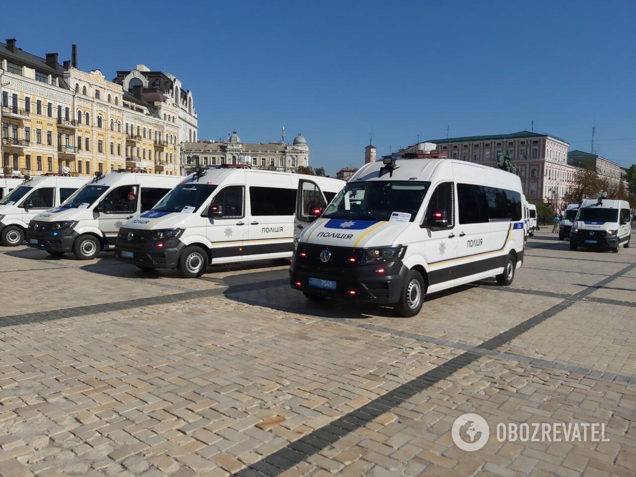 Новые авто для полиции