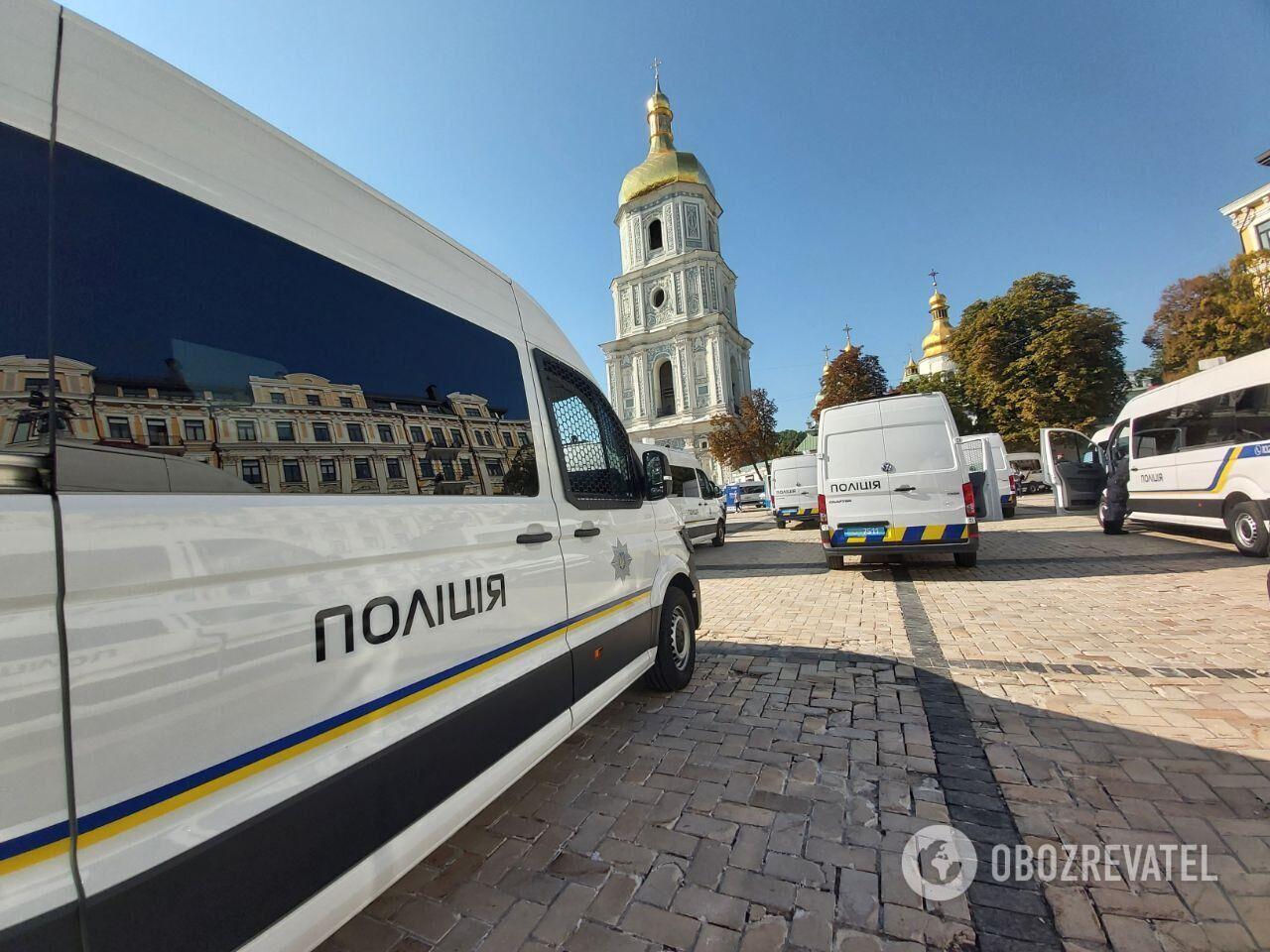 Авто полиции на Софийской площади