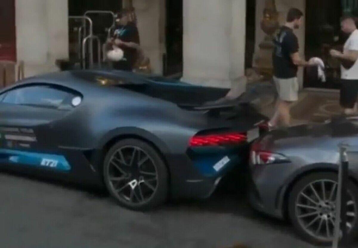 Bugatti за 6 млн долларов попал в нелепое ДТП в Париже. Видео
