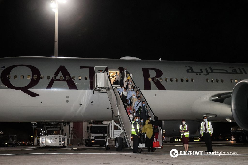 Эвакуация людей из Афганистана в Катар