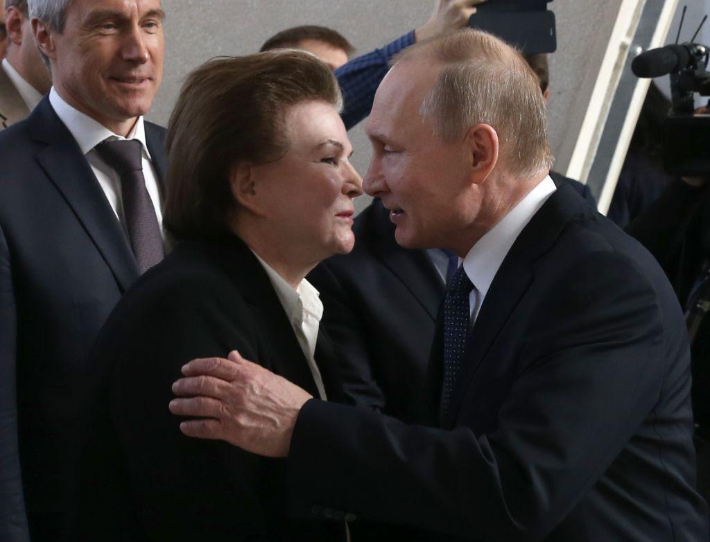 Валентина Терешкова и Владимир Путин