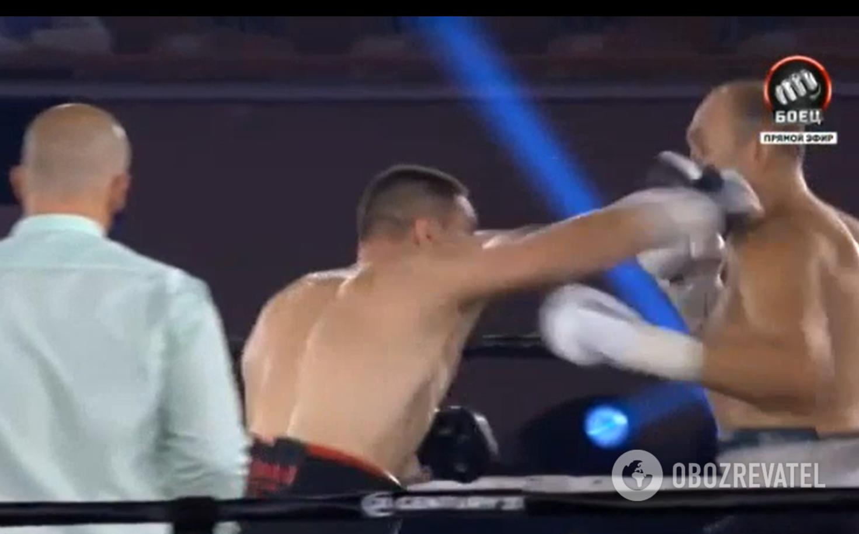 Сиренко закончил бой с Устиновым в первом раунде.