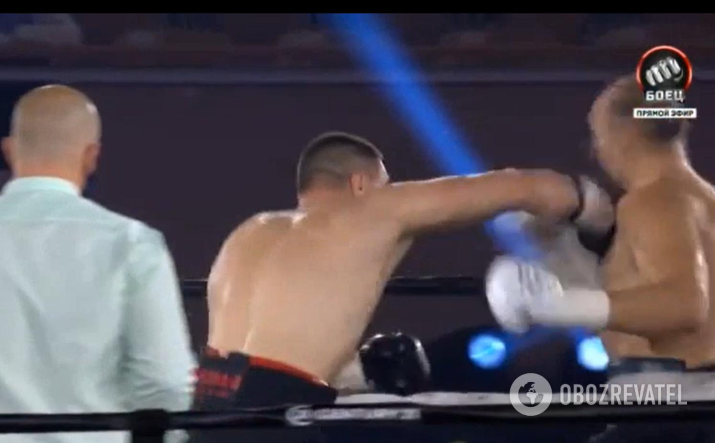 Сиренко нокаутировал Устинова.