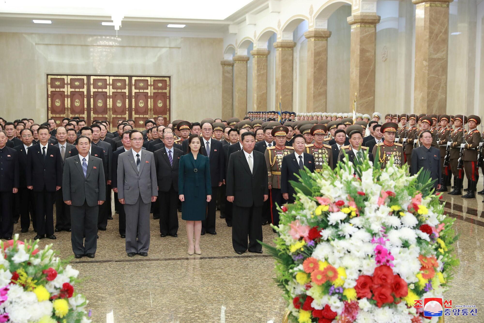 Новые фото Ким Чен Ына.