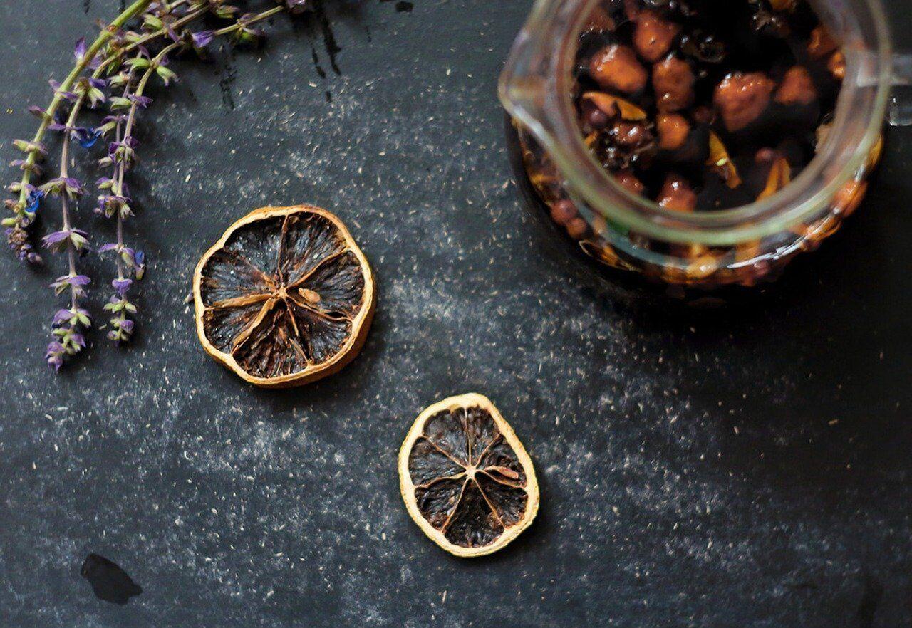 Вкусный чай с пряностями и цитрусовыми