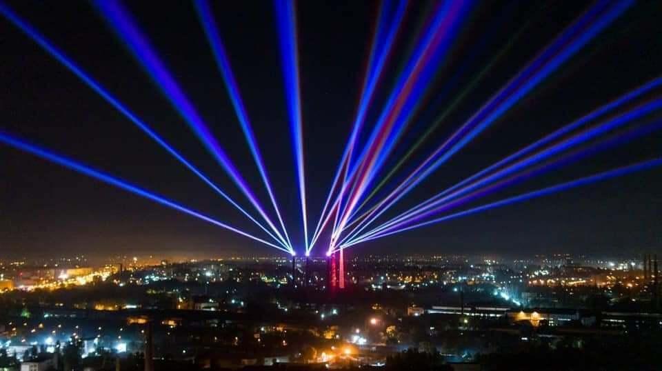 У Дніпрі створили найбільшу в світі постіндустріальну світлову інсталяцію та організували наймасштабніший в Україні салют