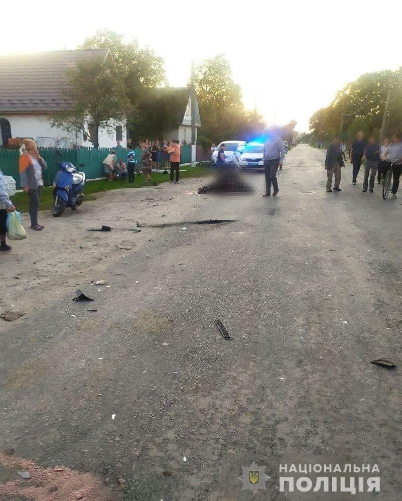 В Ровенской области водитель влетел в стадо коров.
