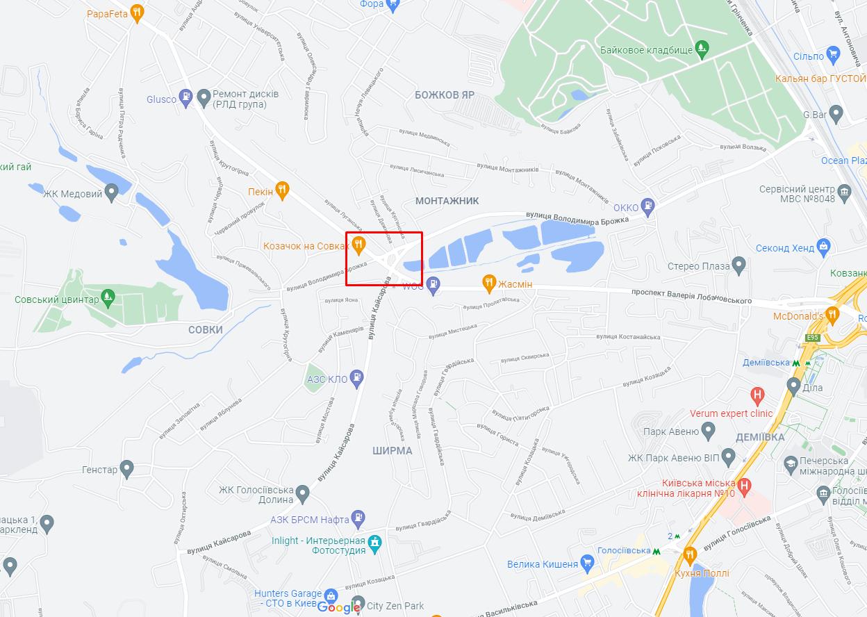 ДТП сталася на перехресті вулиці Брожка і проспекту Лобановського.
