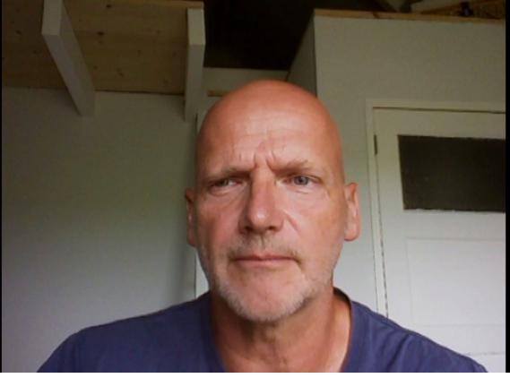 Мужчина, который потерял родных в авиакатастрофе