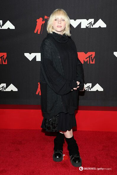 Черный образ Билли Айлиш на музыкальной премии.
