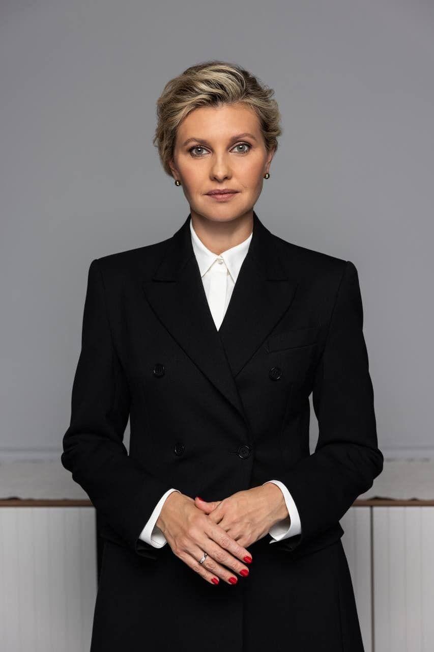 Олена Зеленська позує для обкладинки журналу.