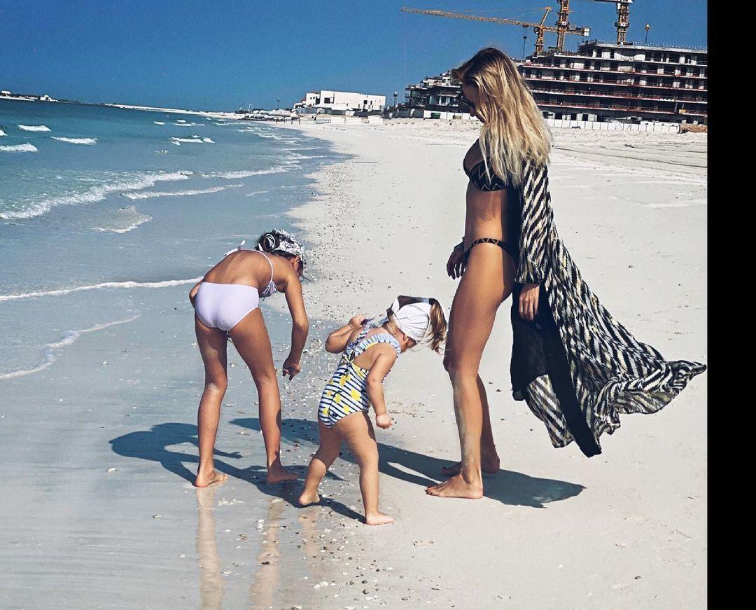 Світлана Лобода з дітьми на відпочинку
