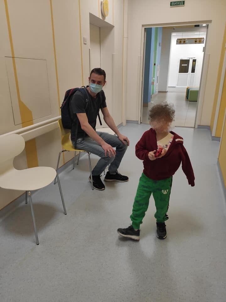 Ребенок получил перелом ключицы.