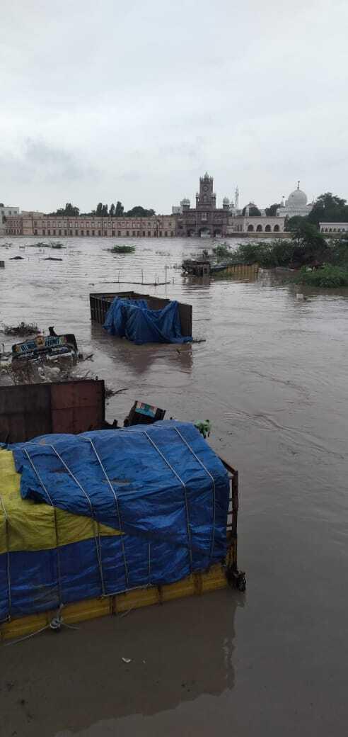 Индия пострадала от потопа